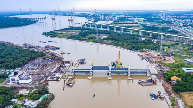 Bị 'đắp chiếu', siêu dự án chống ngập ở TPHCM thiệt hại hơn 45 tỷ đồng