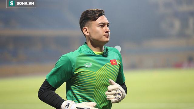 NÓNG: Muangthong nộp đơn nhờ FIFA giải quyết vụ Văn Lâm đơn phương hủy hợp đồng