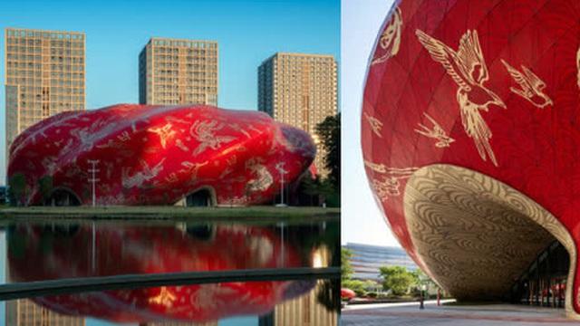 """Công trình kiến trúc """"xấu nhất Trung Quốc"""" khiến dân mạng cười mệt: Vừa lòe loẹt gây nhức mắt lại u ám hệt như """"lối vào cõi âm"""""""