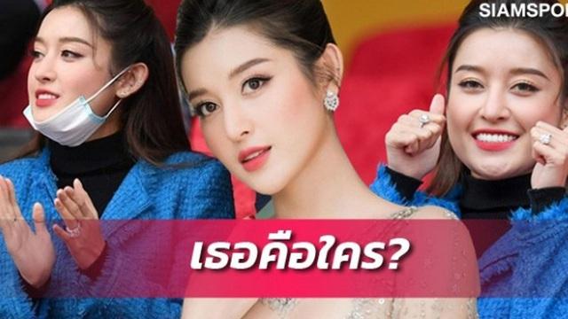 Huyền My nổi bật trên báo Thái sau khi tới sân Hàng Đẫy cổ vũ bóng đá