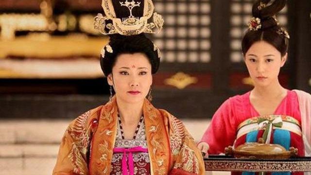 Vị Hoàng hậu đam mê quyền lực, nuôi mộng thành Võ Tắc Thiên thứ hai và lời tiên tri đúng đến rợn người