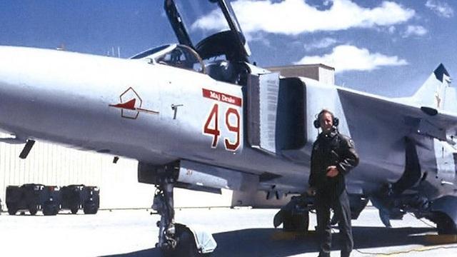 """Bí mật """"Đại bàng Đỏ"""": Vì sao có """"phi đội máy bay Nga"""" trong quân Mỹ?"""