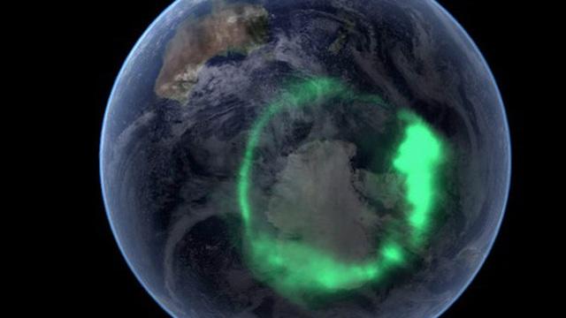 Thứ bí ẩn ở cực Bắc của Trái Đất đang 'ngấu nghiến' vật chất Mặt Trời