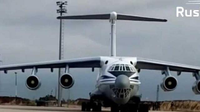 Video Nga tiếp tục đưa quân tiếp viện và vũ khí hạng nặng tới Syria