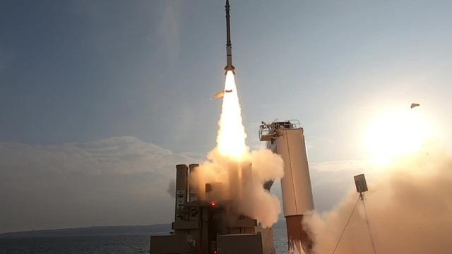 Tướng CIA: Tấn công Israel là Iran tự quyết định sự tồn vong của chính mình!