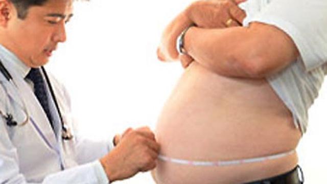 Thanh niên 19 tuổi tử vong sau giảm cân bằng trà xanh trong 6 tháng: Thảo dược có thực sự trị béo phì?