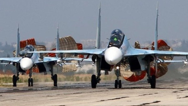 Điên cuồng sát hại binh sĩ Syria, IS khốn đốn trước mưa bom Nga