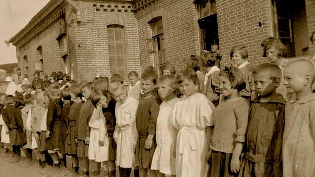 """Kỳ nghỉ hè thành chuyến lưu lạc 3 năm: Người hùng bất ngờ cứu mạng 800 đứa trẻ Liên Xô """"xấu số"""""""