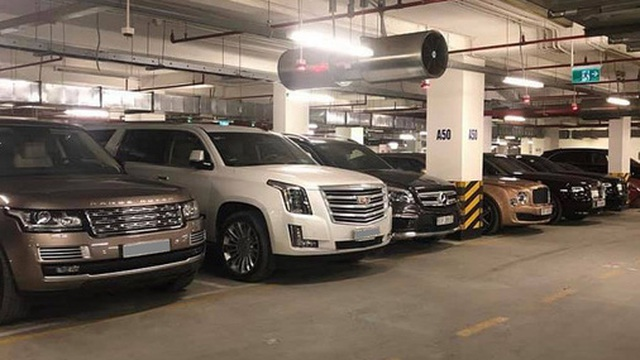 Choáng váng với dàn xe hơn 100 tỷ trong một hầm gửi xe ở Hà Nội