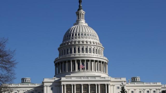 """Đe dọa lao máy bay vào tòa nhà Quốc hội Mỹ ngày 6/1: Thông điệp bí ẩn làm người Mỹ """"lạnh sống lưng"""""""
