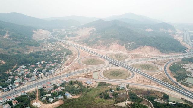 Cận cảnh nút giao thông hơn 400 tỷ sắp hoàn thành nơi cửa ngõ Hạ Long