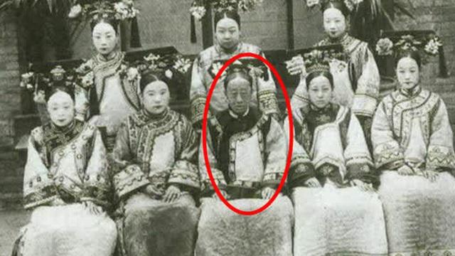 """Công chúa cuối cùng của triều Thanh: 17 tuổi thành góa phụ, dám phê bình thói xa xỉ của Từ Hi Thái hậu khiến bà """"câm nín"""" nhưng vẫn nể sợ"""