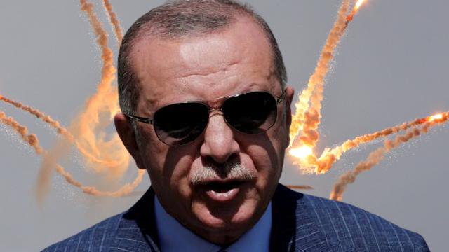 """Thổ Nhĩ Kỳ bất ngờ """"quay xe"""" ủng hộ Crimea: Nga quá ưng ý, tặng lại ngay điều không tưởng?"""