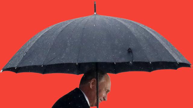"""Quên hết thù xưa, TT Putin giải cứu châu Âu đầy ngưỡng mộ: Nga vẫn hơn """"ở cái đàng hoàng""""!"""