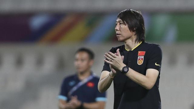 HLV tuyển Trung Quốc giữ được ghế nhờ trận thắng Việt Nam