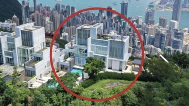 """Dinh thự """"Cao hơn trời"""" của Châu Tinh Trì: Ở vị trí cao nhất Hồng Kông, chuyên gia phong thuỷ tấm tắc khen đắc địa"""