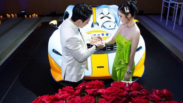 Bóc giá buổi tối kỷ niệm ngày cưới lãng mạn của vợ chồng doanh nhân Minh Nhựa