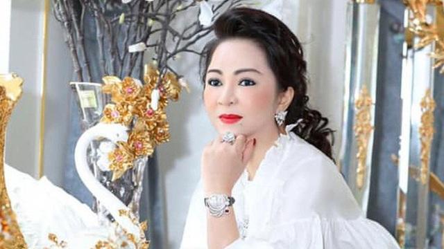 """Bà Nguyễn Phương Hằng nói mình bị hành hung, luật sư phía ông Võ Hoàng Yên: """"Ai dám làm vậy!"""""""
