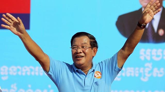 """Campuchia sau 2 tuần """"nín thở"""" thử nghiệm và theo dõi: Thủ tướng Hun Sen báo tin cực vui!"""