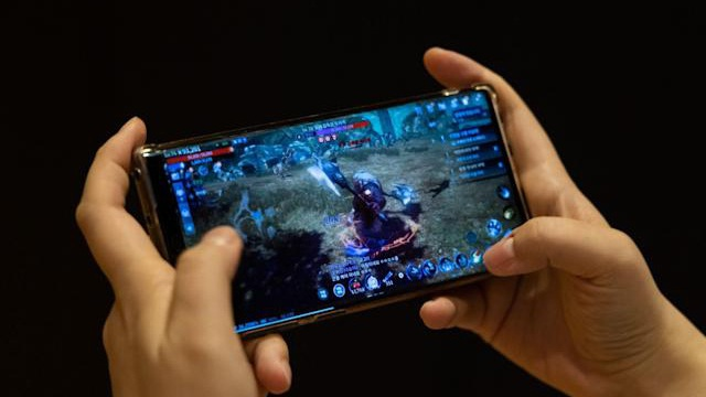 Cho phép người dùng đổi tài sản trong game thành tiền số, cổ phiếu một công ty tăng gần 700%