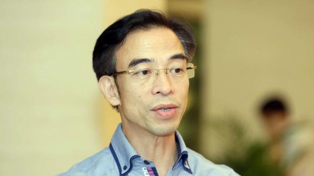 Nóng: Khởi tố Giám đốc Bệnh viện Bạch Mai Nguyễn Quang Tuấn để điều tra liên quan đến vụ 'thổi giá' thiết bị y tế