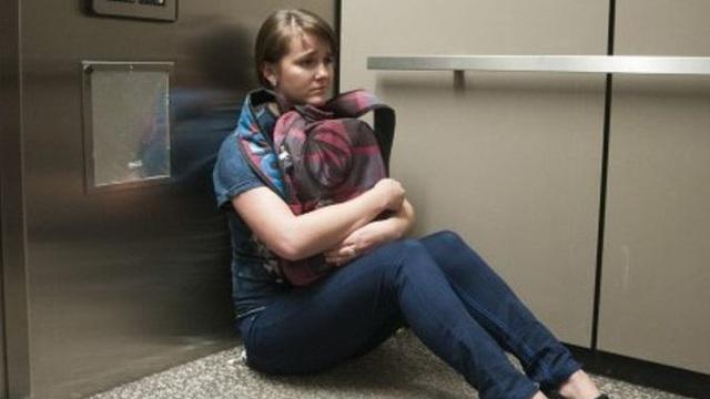 Cần làm gì để thoát thân nếu gặp sự cố thang máy?