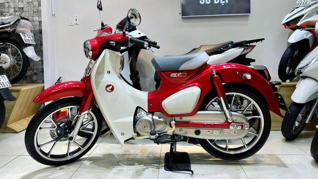 Xe số Honda Cub đẹp xuất sắc, hé lộ điểm độc nhất vô nhị khiến đại gia Việt rao bán sốc