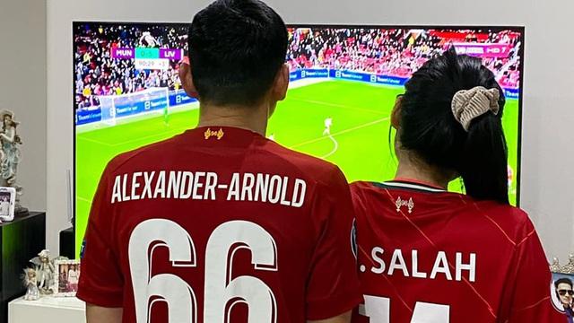 Mê Liverpool, HLV Kiatisuk sướng ra mặt khi Lữ đoàn đỏ vùi dập Man United