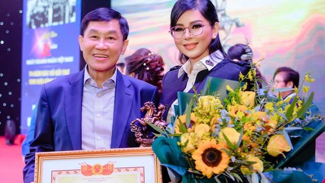 Mẹ chồng Hà Tăng: Phu nhân quyền lực ở tuổi 51 và cách xưng hô đặc biệt với chồng tỷ phú
