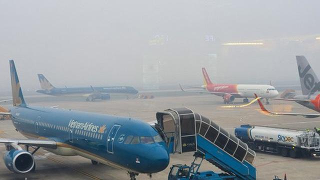 Mở lại đường bay nội địa: TPHCM đồng ý, Hà Nội chưa
