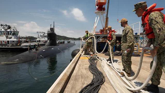 Tàu ngầm Mỹ gặp nạn ở Biển Đông, chuyên gia Nga suy đoán nguyên nhân: Chính là do... người Mỹ!