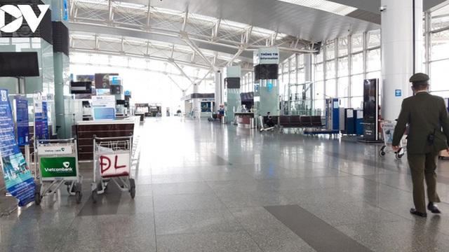 Sân bay nội địa, quốc tế lại đìu hiu vì Covid-19