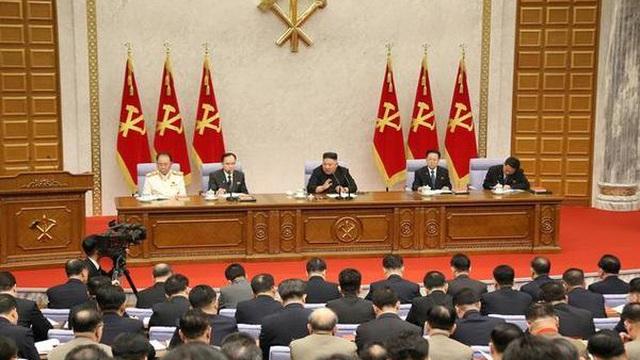 Chủ tịch Triều Tiên Kim Jong-un nổi giận với Nội các