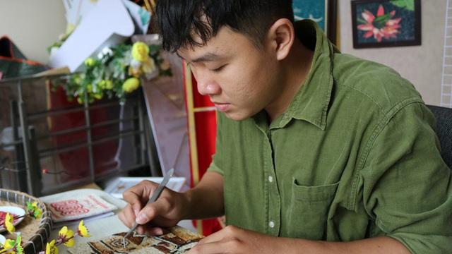 Ý tưởng táo bạo của chàng trai làm túi xách và tranh gạo