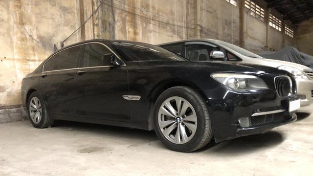ODO 200.000km, BMW 740Li được rao giá rẻ như Mazda3 kèm quảng cáo: 'Xe đổ xăng là chạy'