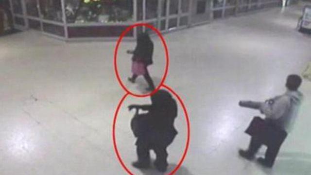 Trên đường về nhà, cô gái trẻ không biết bị bạn thân âm thầm đi theo phía sau để rồi hứng trọn bi kịch thảm thương