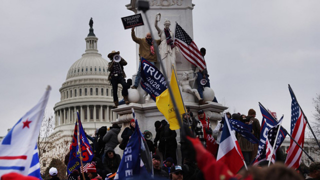 Hạ nghị sĩ đảng Dân chủ kiện cựu Tổng thống Trump xúi giục bạo loạn tại trụ sở Quốc hội