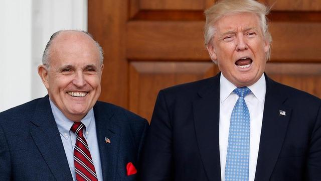 """Luật sư riêng """"chia tay"""" Trump khi nhiều cuộc chiến pháp lý vẫn chưa kết thúc"""
