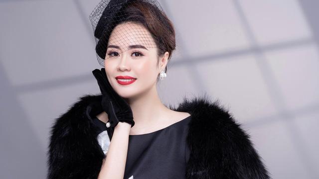 Diễn viên Phan Kim Oanh hóa quý cô sang chảnh
