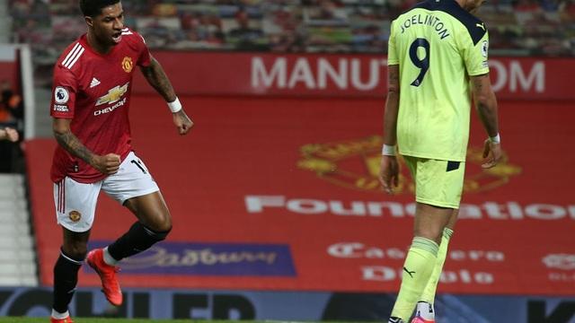 Tiến sĩ 23 tuổi đưa Man United đến chiến thắng; Pep Guardiola cho Arsenal nếm mùi tuyệt vọng