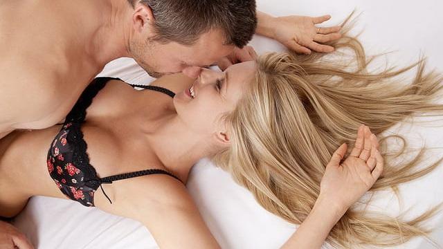 Đời sống tình dục nhàm chán, thiếu thốn? Thử 7 bí quyết nhanh gọn dưới đây của chuyên gia