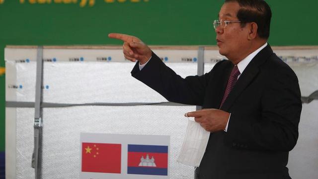 """Rộ tin Campuchia bán giá """"cắt cổ"""" vaccine được Bắc Kinh viện trợ: Phnom Penh, Trung Quốc nói gì?"""