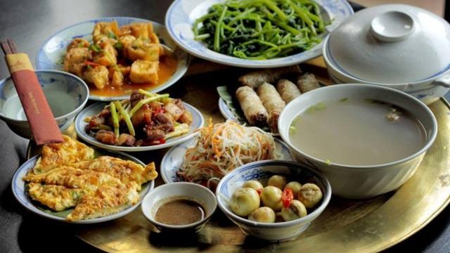 """6 """"điểm đen"""" trong ăn uống của người Việt: Hỏng dạ dày, tăng nguy cơ ung thư"""