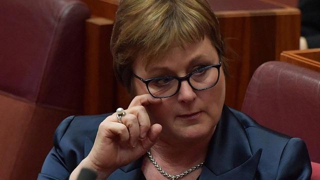 Xôn xao vụ nhân viên chính phủ Úc bị cưỡng bức trong phòng Bộ trưởng Quốc phòng