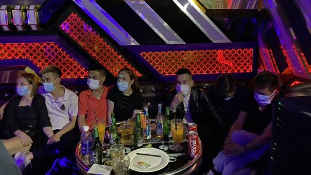 Phát hiện 28 người dương tính với ma tuý trong quán karaoke giữa mùa dịch COVID-19
