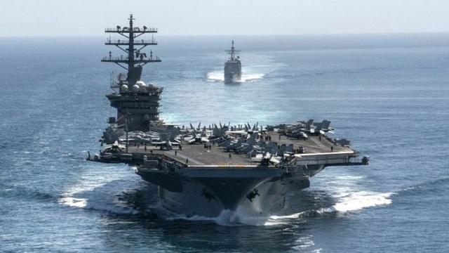 Mỹ bất ngờ rút tàu sân bay khỏi vùng Vịnh