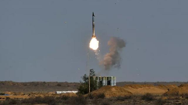 """Mua S-400 của Nga, Thổ Nhĩ Kỳ liên tiếp bị hai đời Tổng thống Mỹ """"cho ăn đòn""""!"""