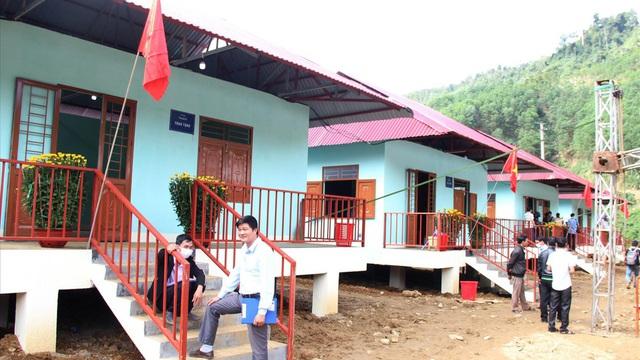 Người Trà Leng đón Tết trong nhà mới