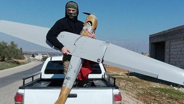 """Cả gan tuyên bố bắn hạ máy bay Nga, phiến quân """"vờn miệng hổ"""" ở Syria"""