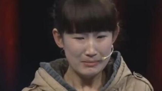 Bố bán nhà đổi lấy món đồ ve chai, cô con gái gạt nước mắt tìm đến chương trình thẩm định: Vỡ òa sau khi nghe giá cổ vật